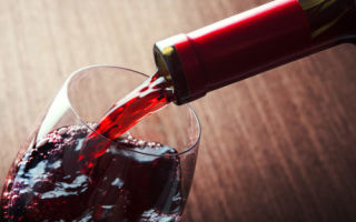 Можно ли отравится вином