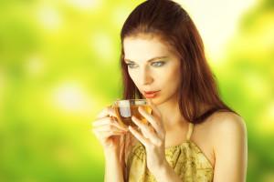 женщина и чай