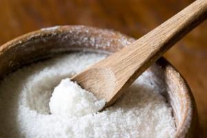 соль с ложкой